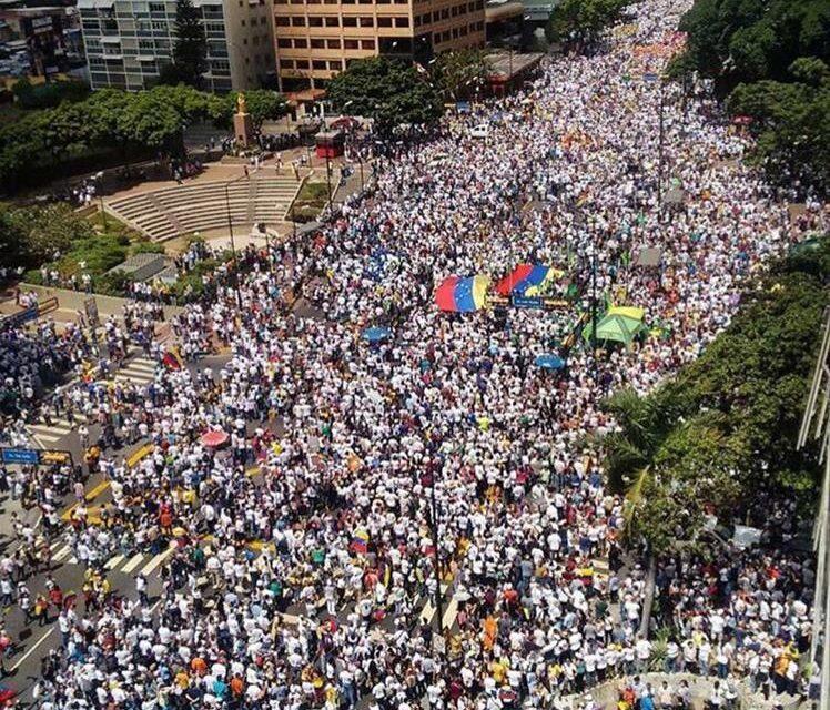 ONG rechazan obstáculos y amenazas contra el derecho a la manifestación pacífica