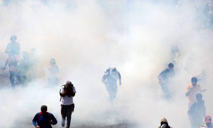 """Gobierno desnaturaliza el derecho a la manifestación pacífica para encubrir el Golpe de Estado y perpetuar una Dictadura """"de paz"""""""