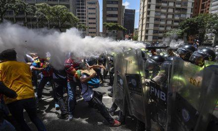 Los Estados tienen la obligación de garantizar la reunión pacífica y los derechos de los manifestantes
