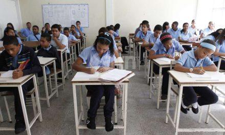 11 ONG exigen derogar resoluciones sobre cambio curricular en la educación
