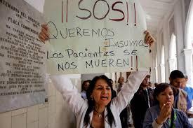 El sistema de salud en Venezuela está en crisis, dicen expertos y expertas de derechos humanos
