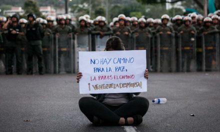Venezuela debe permitir la protesta pacífica e investigar la muerte de manifestantes, dicen expertos de la ONU