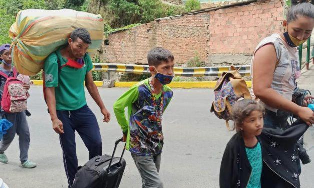 """Human Rights Watch: Venezuela: """"Trato abusivo a los repatriados podrían amplificar la transmisión de Covid-19"""