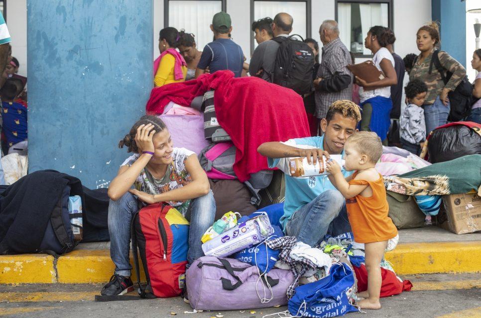 Más de 8.000 venezolanos cruzaron la frontera en Tumbes