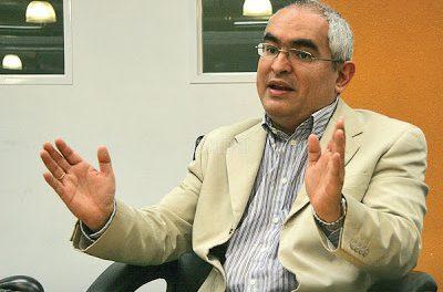 El intento por terminar de controlar social, económica y políticamente a la sociedad. Carlos Romero Mendoza
