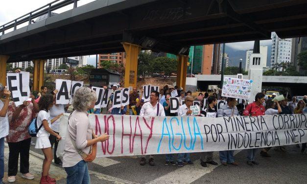 Manifestantes exigieron que se les garantice el acceso al agua potable