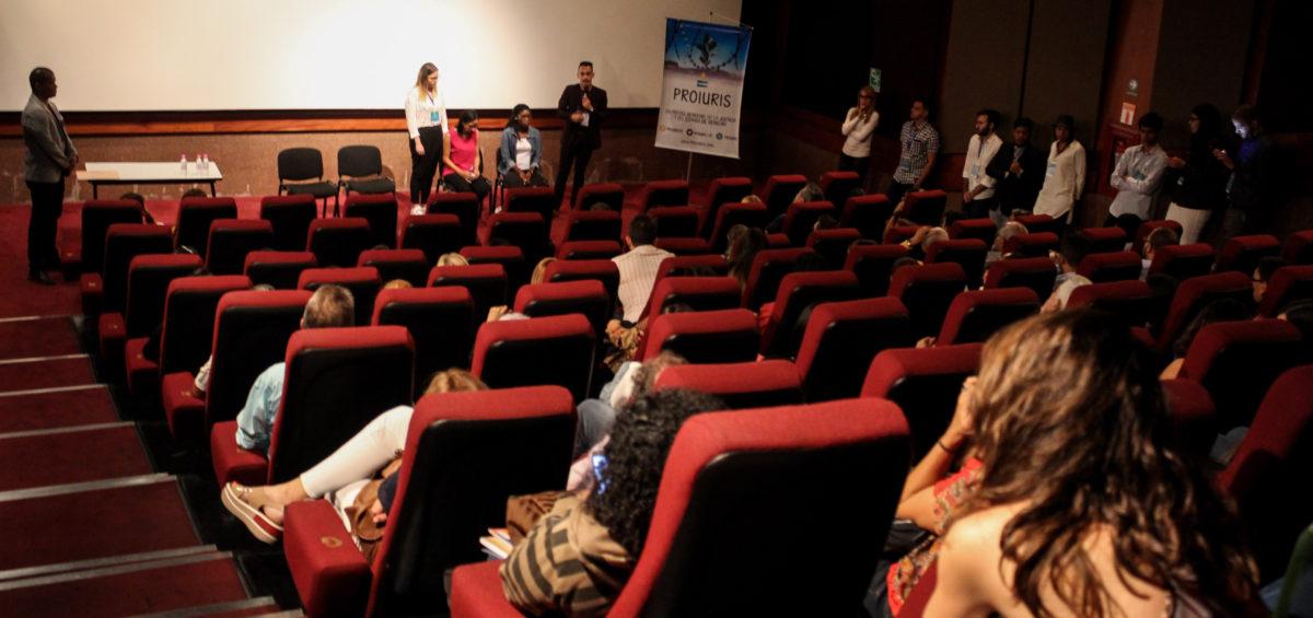 91 personas asistieron al cineforo organizado por Proiuris para contribuir al debate sobre el aumento de las ejecuciones extrajudiciales en Venezuela.