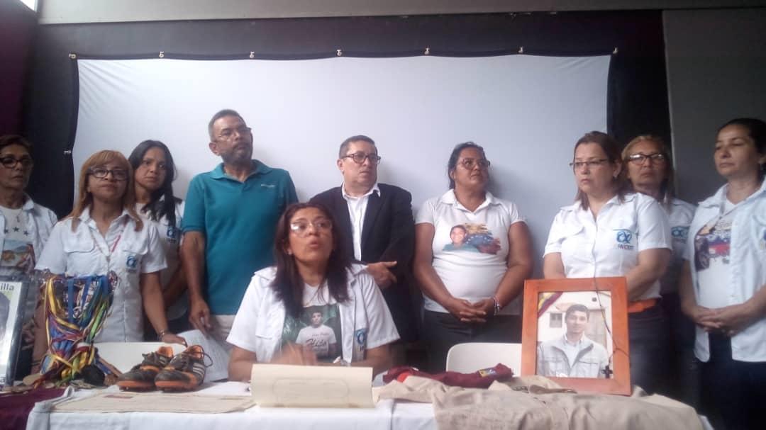 Comité de víctimas denunció en protesta pacífica que sólo 5 de los casos de jóvenes asesinados en las protestas de 2017 han pasado a fase de juicio
