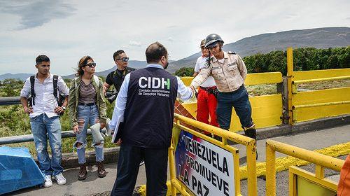 Mecanismos de negociación en crisis venezolana deben incorporar visitas de organismos internacionales de protección a los DDHH