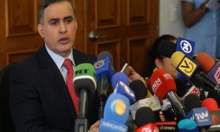 Más de 100 ONG solicitan al Defensor del Pueblo su renuncia