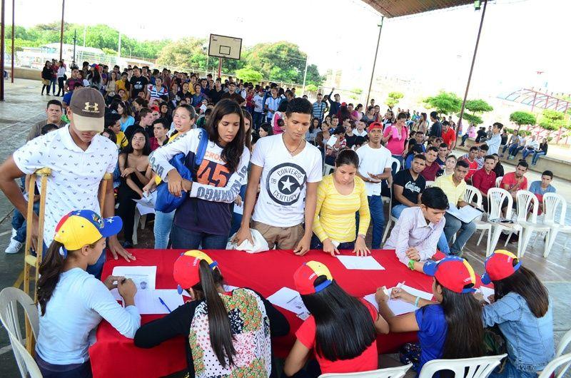 Comunidad universitaria denuncia prácticas intimidatorias contra estudiantes universitarios