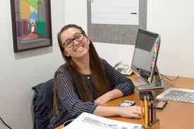 """Natasha Saturno: """"Me motiva saber que puedo ayudar a que otros tengan una voz pacífica pero demandante de sus derechos"""""""