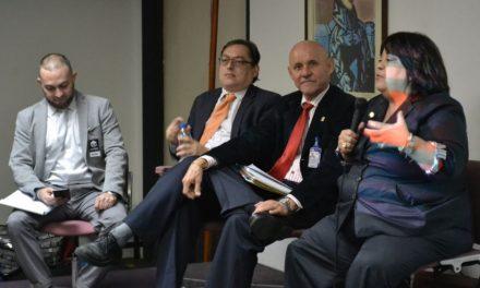 Aula Abierta, autoridades rectorales, profesores y estudiantes disertaron sobre una propuesta de Ley Orgánica de Universidades